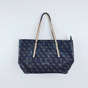 GUESS   Delaney Tote W/ Dust Bag